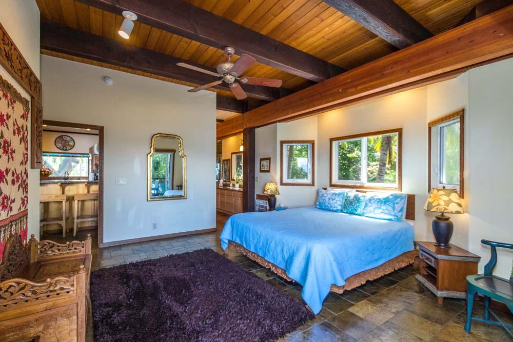 Kahana Nui Master Suite 4