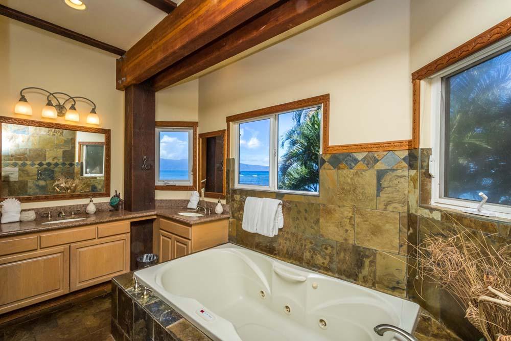 Kahana Nui Master Bath 1