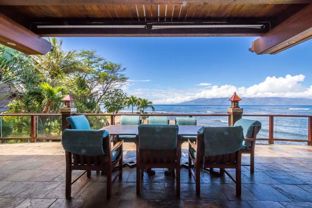 Kahana Nui Outdoor Dining Room